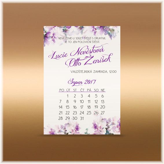 Fialové kvetinové svadobné oznámenia kalendár