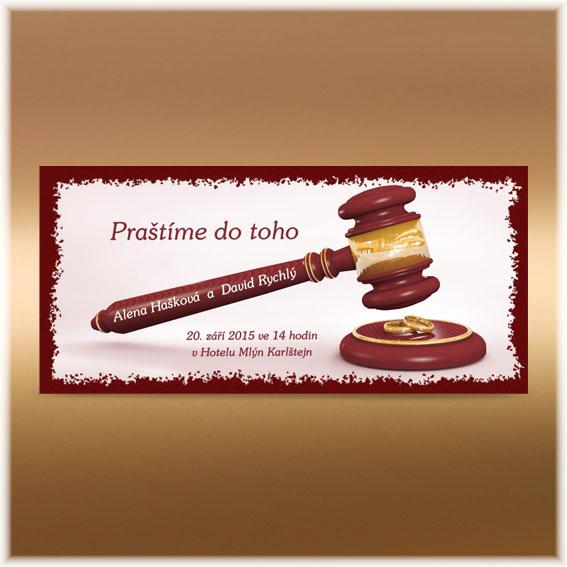 Vtipné svadobné oznámenie sudcovská palička