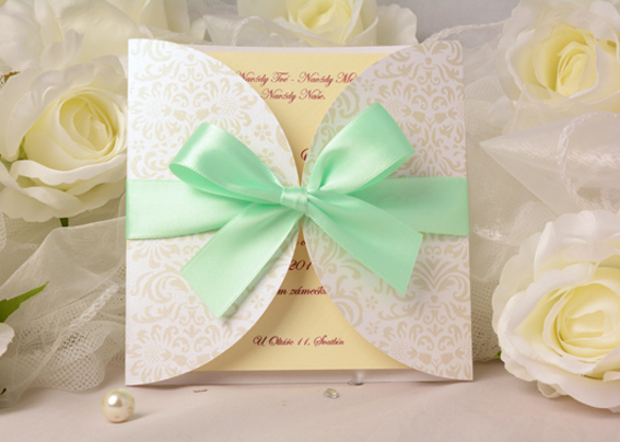 Exclusive wedding invitation with mint ribbon